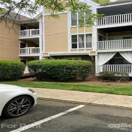 Rent this 1 bed condo on 2504 Cranbrook Lane in Charlotte, NC 28207