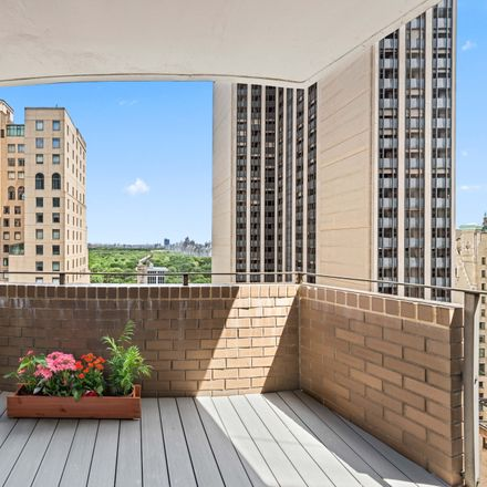 Rent this 2 bed condo on 58 W 58 in 58 West 58th Street, New York