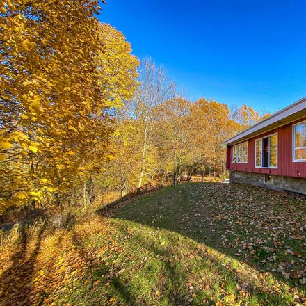 Rent this 3 bed house on 10 Ledgestone Road in Sycaway, NY 12180
