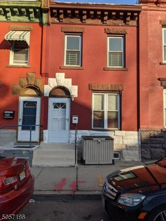 Rent this 3 bed duplex on 248 North 19th Street in East Orange, NJ 07017