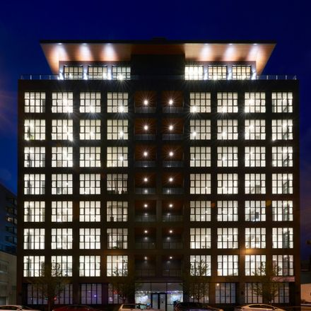 Rent this 2 bed condo on 900 West in 900 West Washington Boulevard, Chicago