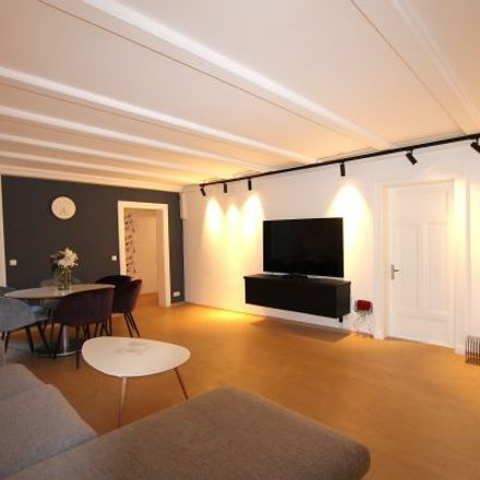 Rent this 6 bed apartment on Schwanenwik 36 in 22087 Hamburg, Germany