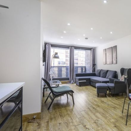 Rent this 1 bed apartment on Capital House in 25 Chapel Street, London NW1 5DH
