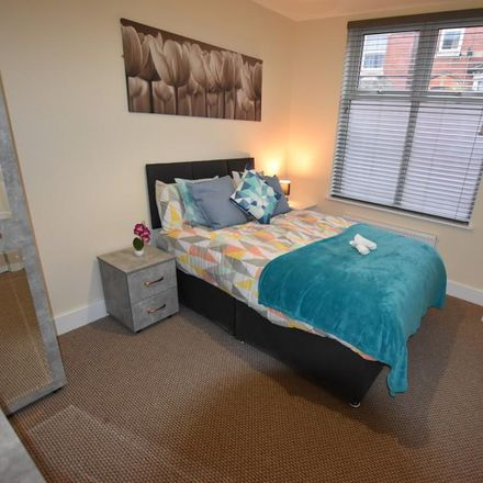 Rent this 4 bed room on New China in 36 Wellington Street, Kettering NN16 8RQ