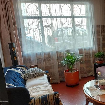 Rent this 5 bed apartment on Perros & Gatos in Carrera 81, Localidad Engativá