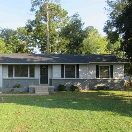 Rent this 3 bed house on 303 Englewood Street in Longview, TX 75601