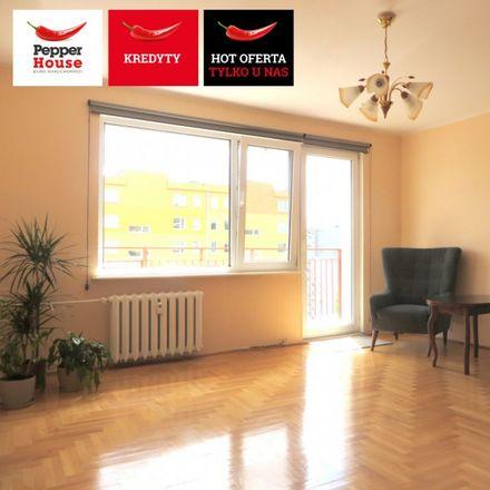 Rent this 3 bed apartment on węzeł ciepłowniczy OPEC Gdynia in Michała Benisławskiego 18, 81-167 Gdynia