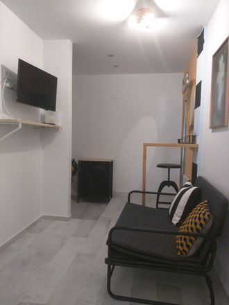 Rent this 1 bed room on Carrer de l'Enginyer Rafael Janini in 46022 Valencia, Spain