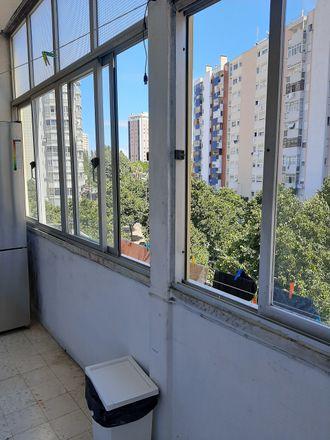 Rent this 3 bed room on Calçada Rio in 1495-113 Algés, Portugal