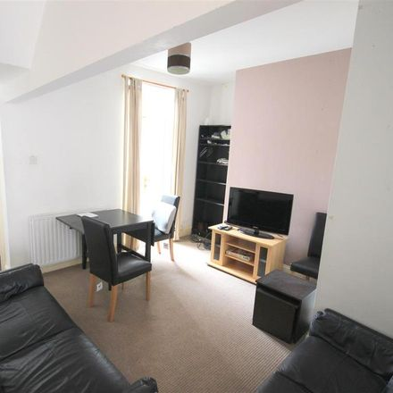 Rent this 5 bed room on 8 Hawthorn Terrace in Durham DH1 4EL, United Kingdom
