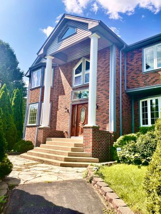 Rent this 4 bed house on 198 North Elmhurst Road in Prospect Heights, Wheeling Township