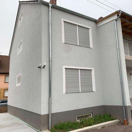 Rent this 3 bed apartment on Renault Wegmann in Deichstraße, 67069 Ludwigshafen am Rhein