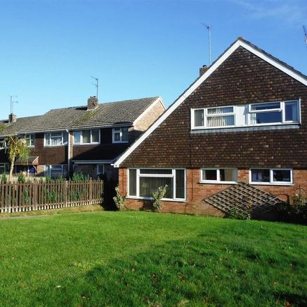 Rent this 3 bed house on 38 in Drakes Avenue, Devizes SN10
