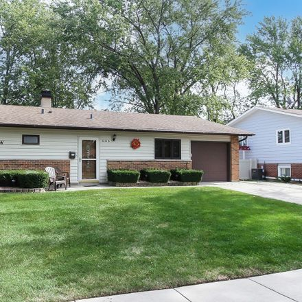 Rent this 3 bed house on 505 Aberdeen Street in Hoffman Estates, Schaumburg Township