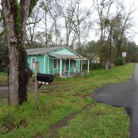 Rent this 2 bed house on N Railroad Ave in Mount Vernon, GA