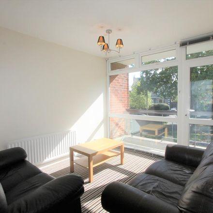 Rent this 2 bed apartment on Warwick CV32 5UQ
