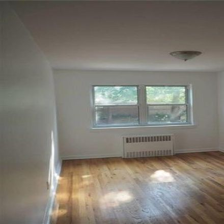 Rent this 3 bed house on 148-22 58th Road in New York, NY 11355