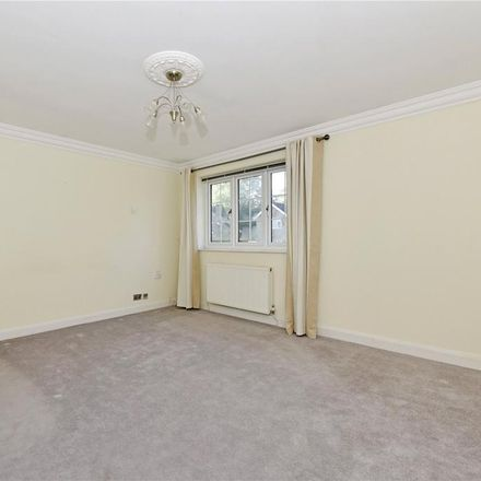 Rent this 5 bed house on The Ridings in Elmbridge KT11 2PT, United Kingdom