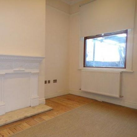 Rent this 3 bed house on Stockwood Crescent in Luton LU1 3SS, United Kingdom