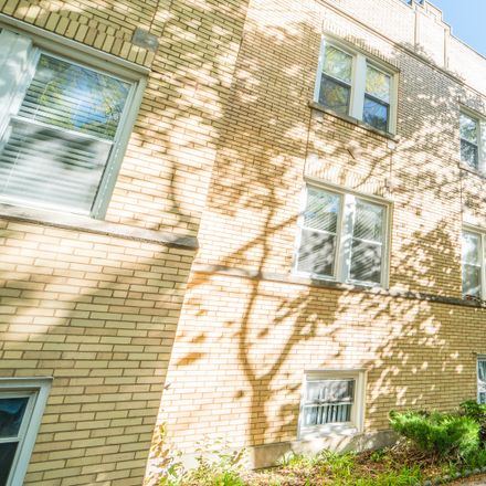 Rent this 2 bed condo on 4010 West Ainslie Street in Chicago, IL 60630