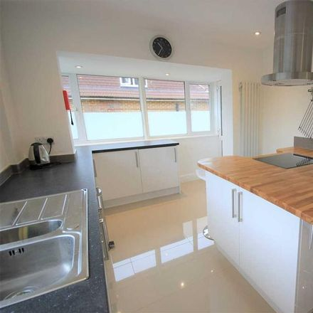 Rent this 1 bed room on Plymouth Avenue in Brighton BN2 4JB, United Kingdom