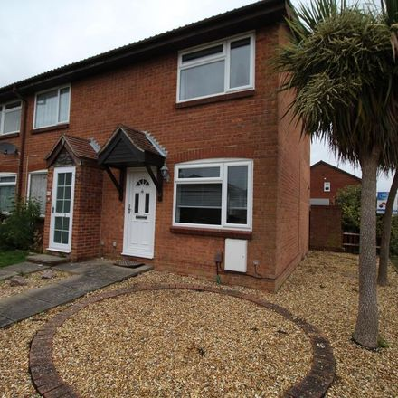 Rent this 2 bed house on Hollybrook Gardens in Fareham SO31 6WJ, United Kingdom