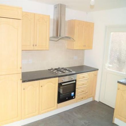 Rent this 3 bed house on 33 Doncaster Grove in Long Eaton NG10 2BA, United Kingdom