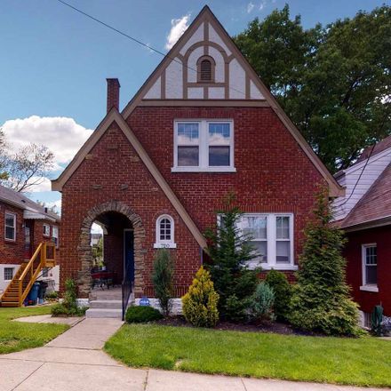Rent this 2 bed house on 720 Taylor Avenue in Bellevue, KY 41073
