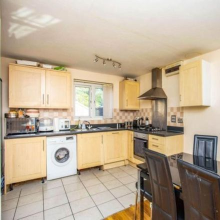 Rent this 3 bed house on London UB3 1SW