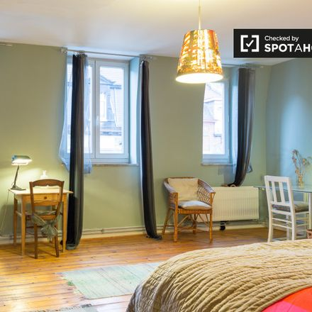 Rent this 2 bed apartment on Avenue Maréchal Foch - Maarschalk Fochlaan 61 in 1030 Schaerbeek - Schaarbeek, Belgium