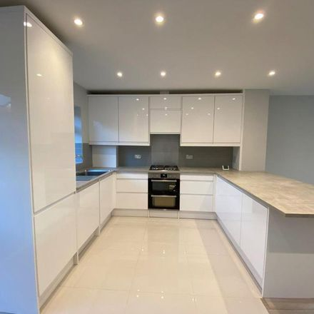 Rent this 3 bed house on Moreton Avenue in London TW7 4NW, United Kingdom