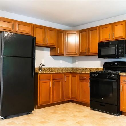 Rent this 3 bed townhouse on 19 Hobart Street in Meriden, CT 06450