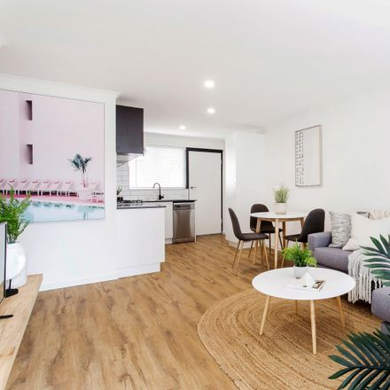 Rent this 2 bed apartment on 17/1A Stephens Avenue