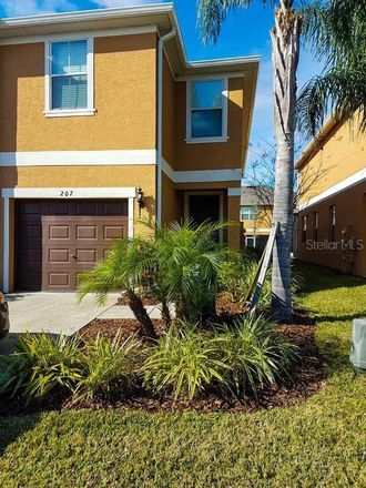 Rent this 3 bed townhouse on Four Corners