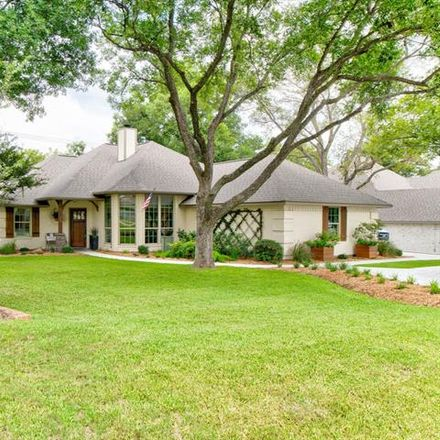 Rent this 3 bed house on Wedgefield Rd in Granbury, TX