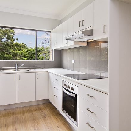 Rent this 2 bed apartment on 1/461 Willoughby Road