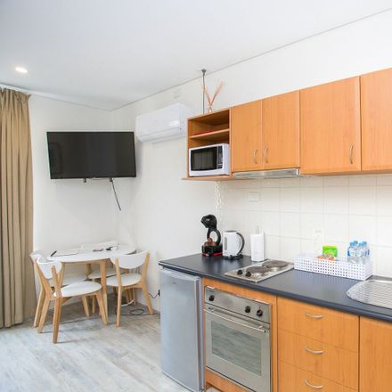 Rent this 1 bed apartment on 12 Victoria Avenue