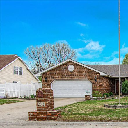 Rent this 3 bed house on 2613 Donald Court in Granite City, IL 62040