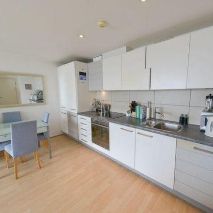 Rent this 1 bed apartment on Aurora Building in 164 Blackwall Way, London E14 9QT
