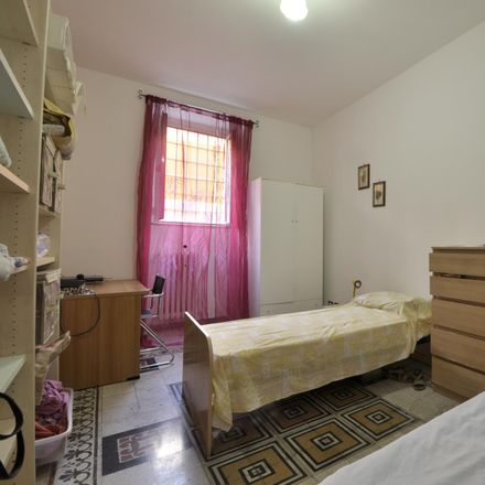 Rent this 3 bed room on Il Maritozzaro in Via Ettore Rolli, 50