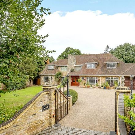 Rent this 6 bed house on St. Leonard's Hill in Oakley Green SL4 4AU, United Kingdom