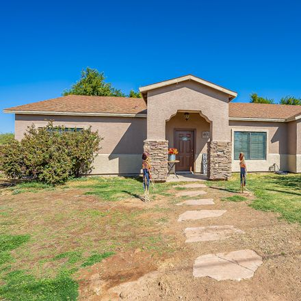 Rent this 3 bed house on E Zinnia Pl in Morristown, AZ