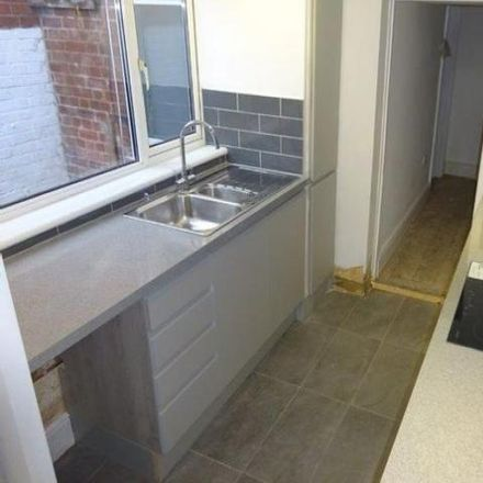 Rent this 3 bed house on 13 Regent Square in Exeter EX1 2RL, United Kingdom