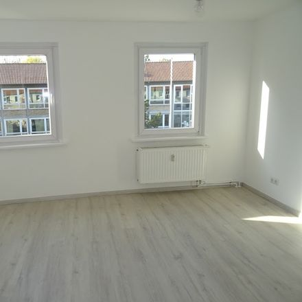 Rent this 3 bed apartment on Beethovenstraße 5 in 38350 Helmstedt, Germany