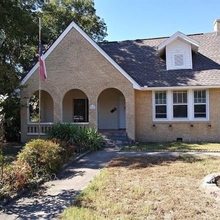 Rent this 3 bed house on 1401 Bolivar Street in Denton, TX 76201