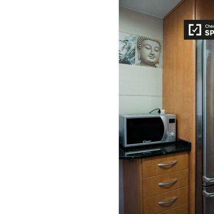 Rent this 3 bed apartment on Carrer de l'Arquitecte Moragas in 08035 Barcelona, Spain