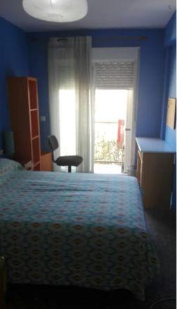 Rent this 2 bed room on Solaz in Avinguda de la Constitució, 46019 Valencia