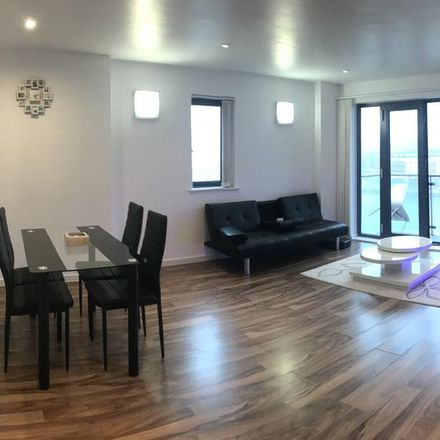 Rent this 2 bed apartment on Prince of Wales Dock in King's Road, Swansea SA1 8AL