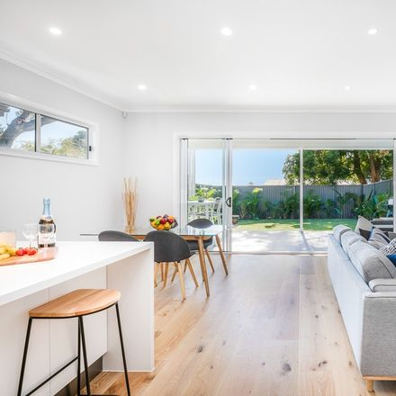 Rent this 4 bed apartment on 41b Flinders Road