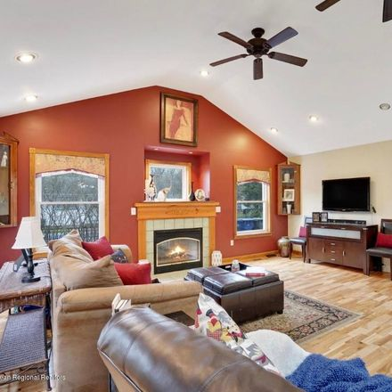 Rent this 3 bed house on Woodcrest Rd in Oakhurst, NJ
